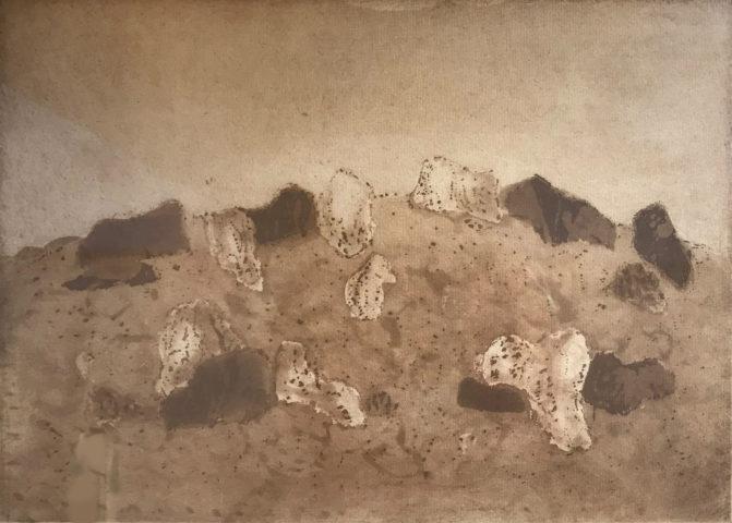 4_Zoran Music, _Paysage rocheux_, 1979, aquatinte en sépia sur papier, 22 x 30,6 cm